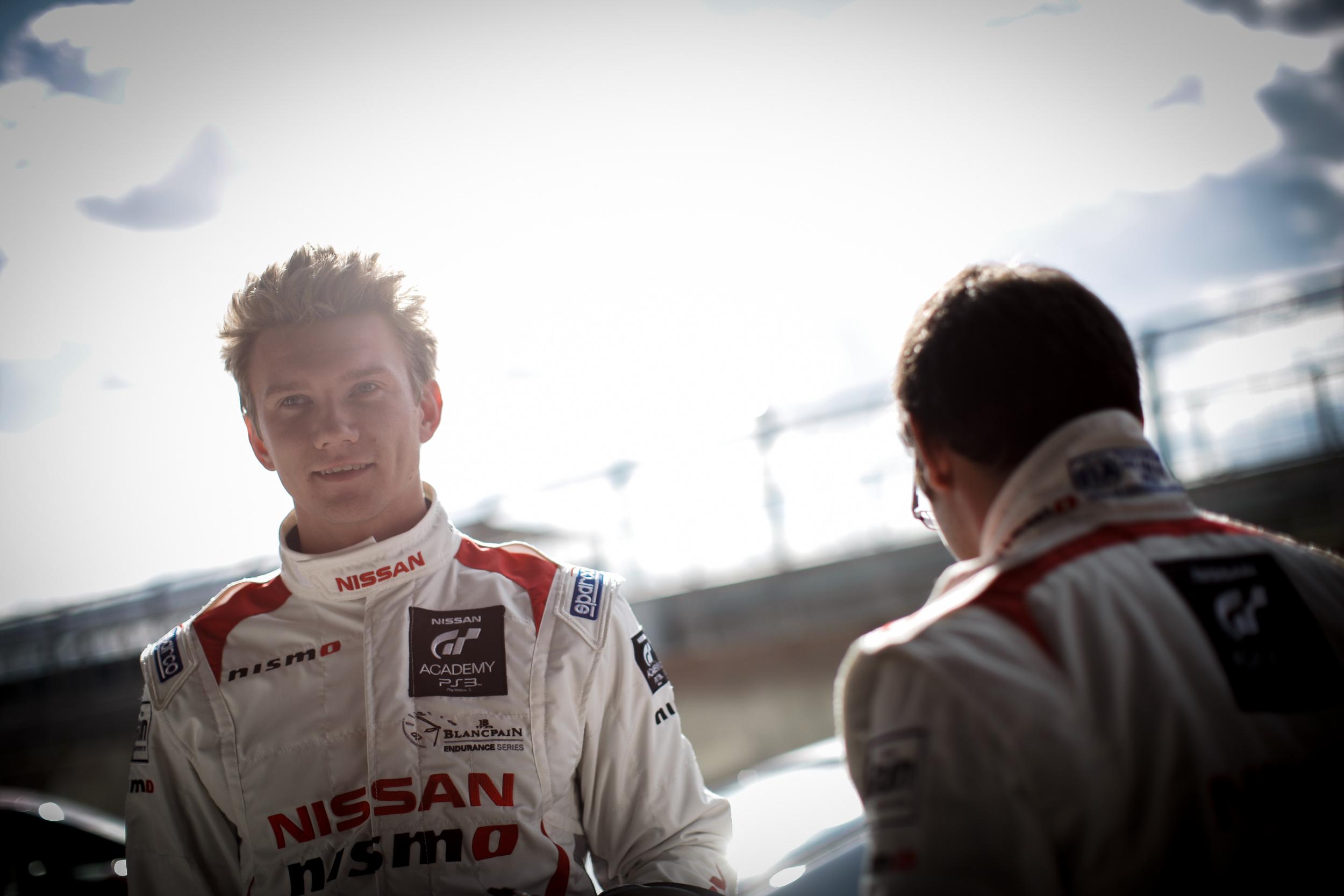 Im Interview mit Peter Pyzera – Gewinner & Rennfahrer in der GT Academy